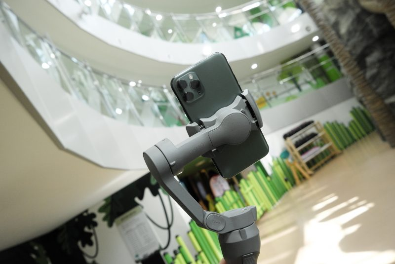 스마트폰 카메라로 동영상 촬영하는 분들에게 DJI 오즈모 Mobile 3 추천하는 이유